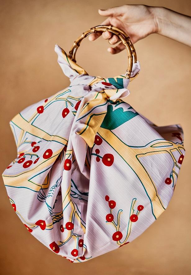 Furoshiki 風 呂 敷 - A Arte de Embalar com Pano